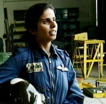 Gunjan Saxena The Kargil Girl Who Became First Indian Woman In Combat Oneself Believers